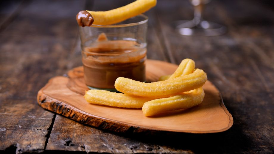 Trampantojo con patata: falsos churros con chocolate